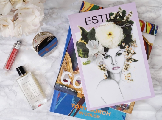 Estila-flatlay-books